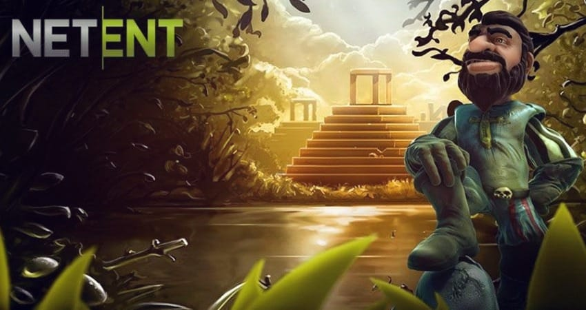 A hero of NetEnt games - a knight is standing on the background of pyramids
