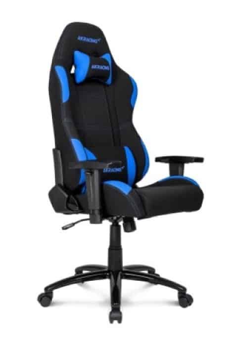Un noir et bleu chaise AKRacing Core Série EX Chaise de jeu pour confortable jeux d'argent