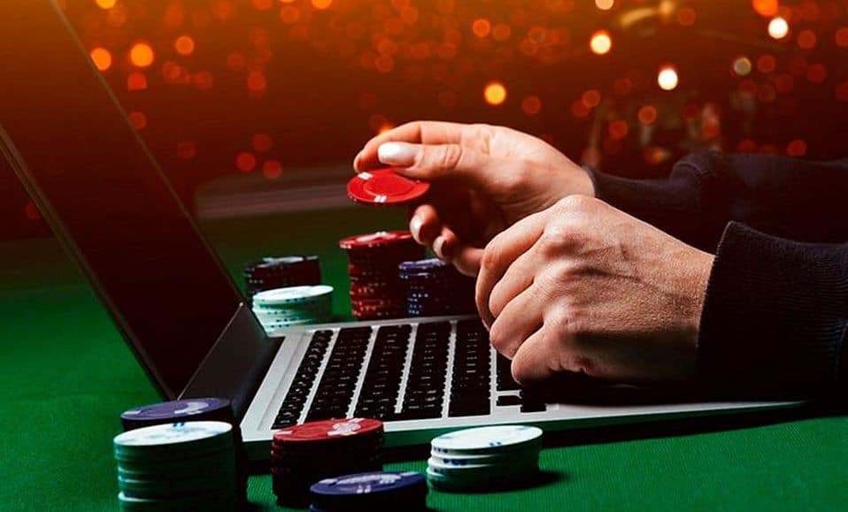 Gambler learns to play casino games