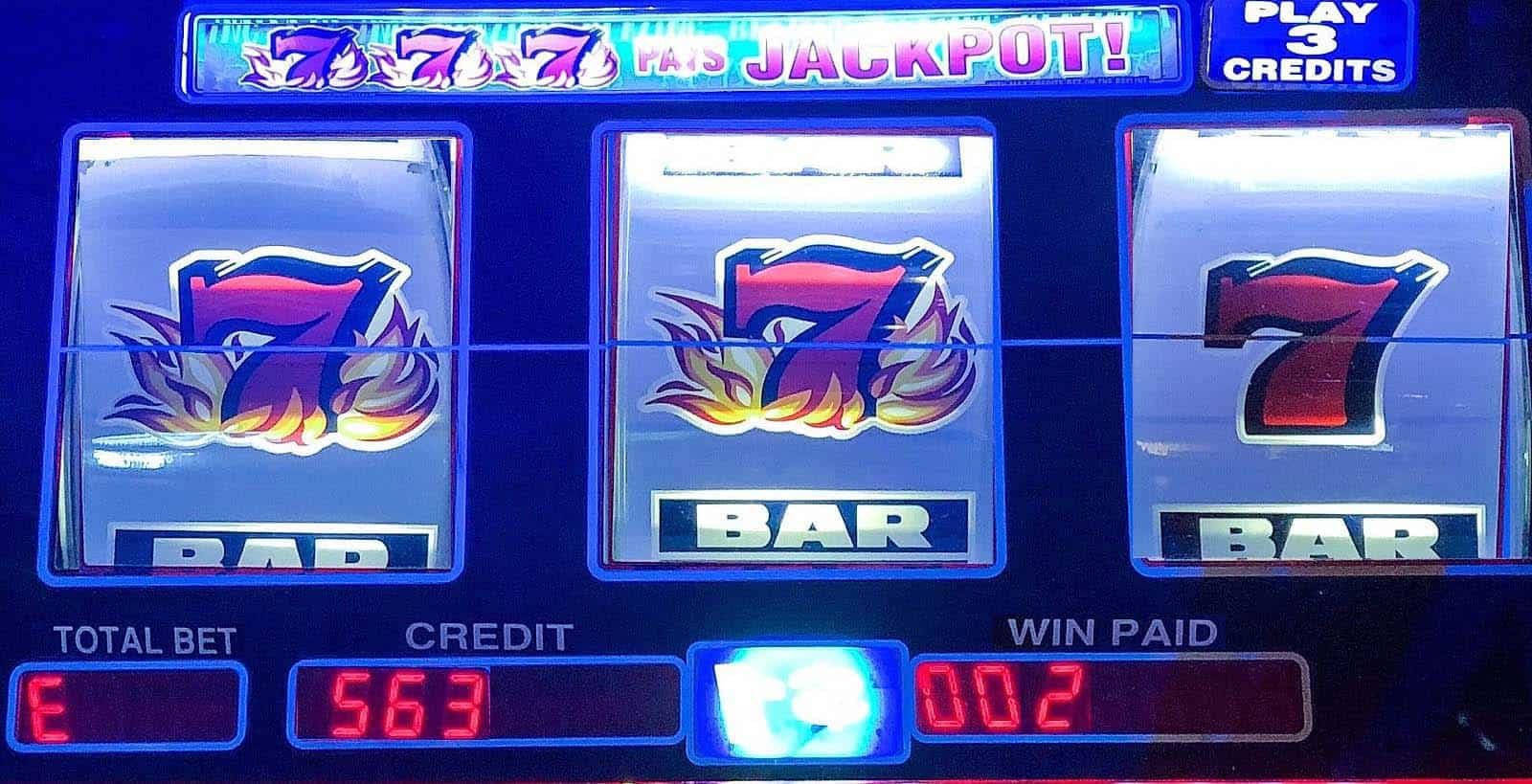 How to play slot machines? Learn the interface