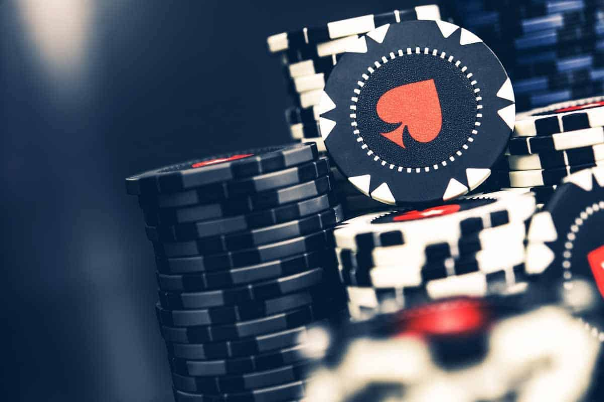 First blackjack tip: learn how to use the chips